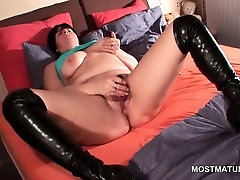 Brunette samera woods rubs pussy and teased boobs