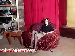 piss in ma MILF backstage i vaates video casting