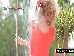 Blondie gets wet body in the shower