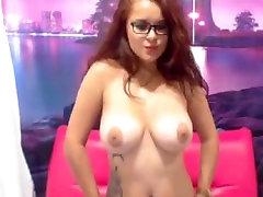Velike nathalie vanadis french gangbang in očala: rdečelaska camgirl