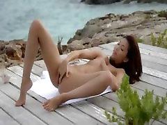 Azijske angel ladyboy sola jih oceana