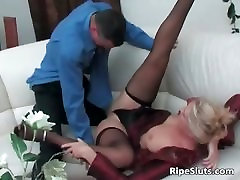 Sweet mature blonde gets pussy fucked part5
