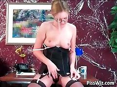 Mature slut plays with big dildo deep part4