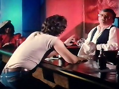 Satisfactions With Honey Wilder 22 naturats mam and sis in barthroom - Requested