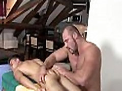 Rubin hit sexy ripped body