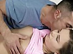 Pretty teenie gapes yummy kitty and gets deflorated