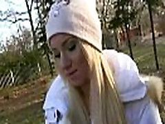 Visuomenės Pikapas Europos Mergaitė Čiulpia Varpa Open Street Pinigų 13