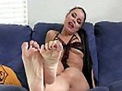 Man ir kājas dieviete