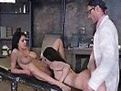 Seksa Ainas Rīcības Starp Ārstu Un Sluty emily craaford Noelle Easton & Peta Jensen mov-23