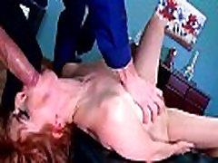 Pacients Penny Pax Nāk Pie Ārsta Un Saņemt Dzimuma Attieksmi vid-25