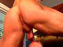 Deepthroated muscular hunk likes it rough