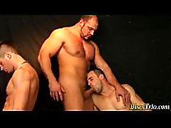 Bisex guys fuck in orgy