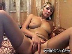 Very hot babe masturbating pussy on webonga.com