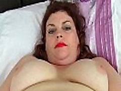 English milf Vintage Fox loves toying her yue hstono pussy
