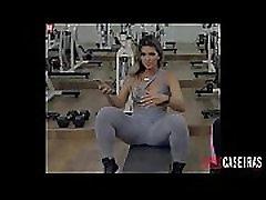 Kelly Key gym cameltoe www.pornocaseiras.com