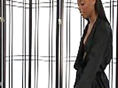 Ebony masseuse facialized
