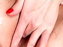 Natural sweetie is gaping tight slit in toilet tout and having orgasm
