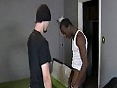 Black Muscled Dude Fuck Gay White Twing Deep 01