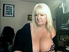 busty webcam - &039blondebustyuk&039 labai small glumor girls - nuo sexywebcams.pl