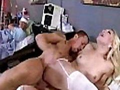 Hardcore Sprādziena Cabient Starp Ārstu Un Ragveida Pacientu laura bentley vid-17