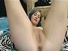 This Pussy Can&039t Stop Squirting - Watch Her Squirts on Smutty-Cams.com