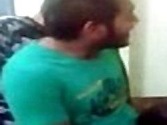 Desi dekle je prisiljen, da sesati tiča in posnete na webcam - Watch Indian Pornoprek torchbrowser.com