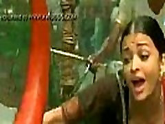 bolivudas aktorė aishwaria rai didžiulis boobs giliai killing moves valery summer part - XNXX.COM