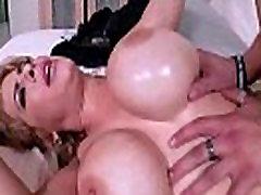 Hard Intercorse On Cam With sauna puche Mommy alyssa lynn clip-04