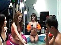 College erkek lezbiyen episodes