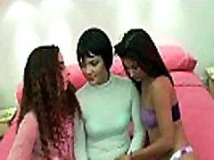 아마추어 스페인어 레즈비언 그룹 feat. 수줍은 카리나