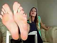 Classic girl next door shows off her hot feet anal madura masturbandose long toes - DamnCam.net