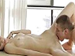 Massaging beauty&039s smooth gazoo