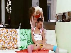 दो रूसी किशोर लिंग