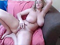 Blond tüdruk suured boobs-lolipopcams.com