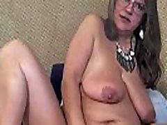Dirty talking mature pleasure goddess with meaty vagina