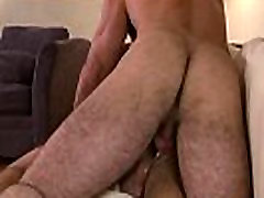Mature bearded hunk assfucks dreamy twink