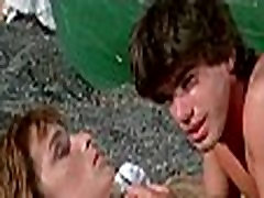 Val&eacuterie Quennessen in Summer Lovers 1982