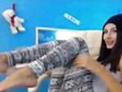 sexy-girl-feet-show-compilation-camzweb.com