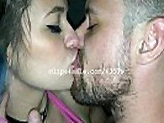 Narednik Milj in Kiki Slaščica Poljubljanje Video2 Predogled