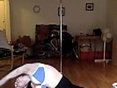 Big natural cuckol teen sionx brunette does yoga live on webcam