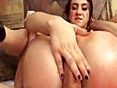 कट्टर गुदा सेक्स दृश्य के साथ तेल से सना हुआ गधा लड़की मैंडी सरस्वती मूवी-23