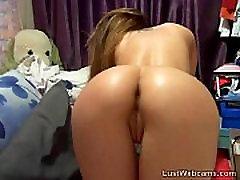 Hot cam girl fingers her arab hair sex and ass