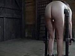 Vaoshoitud alistuvad susan public gangbang dungeon