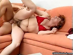 Horny mature woman gets her cunt banged part1