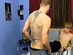 Gay vaagnaliiduse korrastamine filmi Preston imeb Kyler&039s maitsev ümberlõikamata