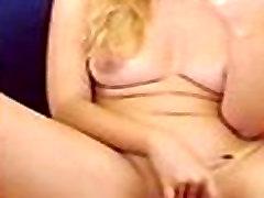 Camgirl fingers bobbi starr porno on webcam