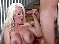 Mature Lady With Big Round Tits Love Sex mov-10
