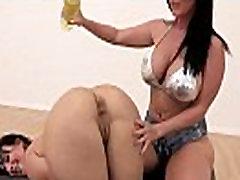 Didelis Šlapias Užpakalis Mergaitė Gauti Naftos Ant Savo Kūno, Tada Bang mov-16