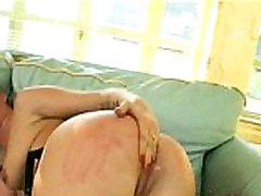 Anal plump slut in bed 0918