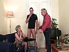 Senas tris orgija po pūlingas masturbuojantis